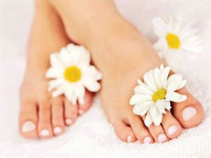 10 Useful Tips for Winter Foot Care